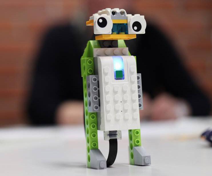 Robotic lego lizard on a table